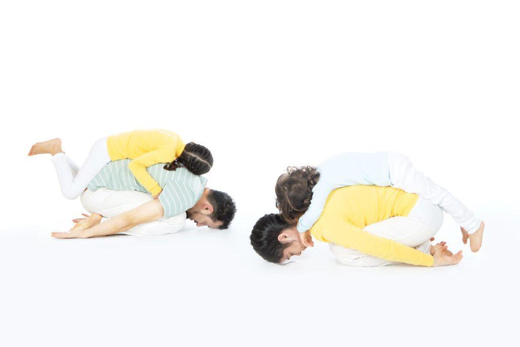 Yoga en familia todos juntos