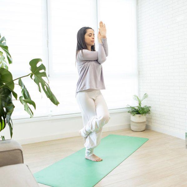 Garundasana Yoga y Meditación